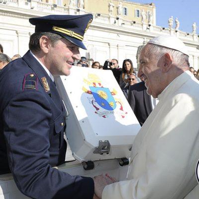 ernardo Lepore Presidente MotoForPeace incontra Papa Francesco 1