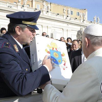 Bernardo Lepore Presidente MotoForPeace incontra Papa Francesco 2